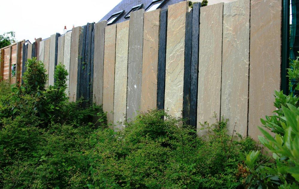 Cloture schiste et gres paysagiste angers Separation bois jardin