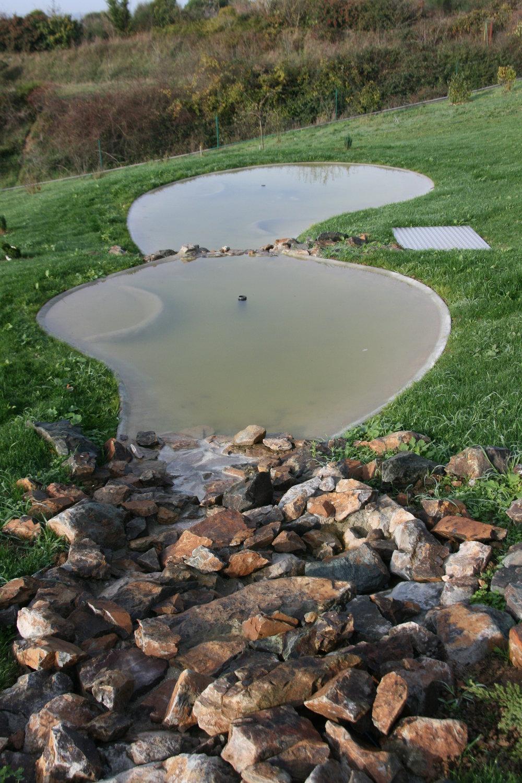 Bassins fontaines cascades puits paysagiste angers - Bassin plastique preforme saint denis ...